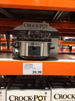 Crock Pot 7QT Slow Cooker with Locking Lid Retail $39.99 for Sale in Montebello, CA