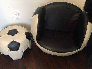 Kids Soccer ball chair/ottoman set for Sale in San Marcos, TX