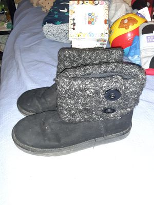 Girls Boots Size 4 medium. An Size 6 medium for Sale in Akron, OH
