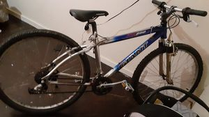 Giant ATX 860 MOUNTAIN BIKE for Sale in Los Angeles, CA