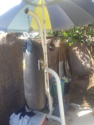 Punching bag. Speed bad. And stand for Sale in Baldwin Park, CA