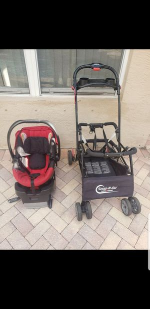 Britax Bsafe infant car seat and Snap and Go Universal stroller for Sale in Jupiter, FL