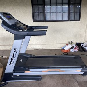 NordicTrack Commercial Treadmill for Sale in Cypress, CA