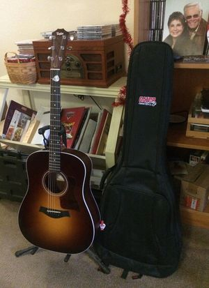 Taylor 210 acoustic guitar,electric pick up,great condition for Sale in Denver, CO