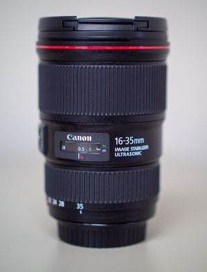 CANON 16-35 f/4L IS USM ULTRA WIDE ANGLE ZOOM LENS for Sale in Chesapeake, VA