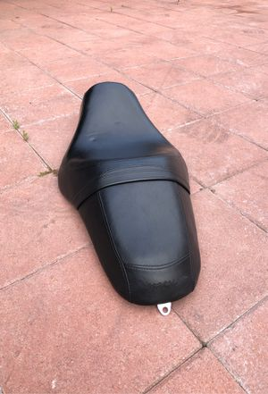 Harley Davidson iron883 seat for Sale in Paramount, CA