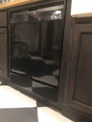 Whirlpool dishwasher for Sale in Auburndale, FL