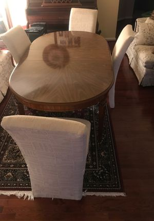 Dining room table with 4 chair set for Sale in Clinton, MD