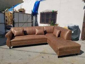 NEW 9X7FT CAMEL LEATHER SECTIONAL CHAISE for Sale in North Las Vegas, NV