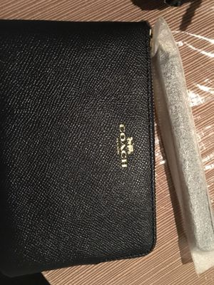 Coach Corner Zip Wristlet for Sale in Atlanta, GA