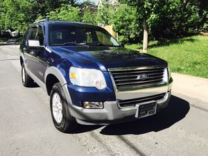 Only $3800 !! Price Firm !! CHEAP !! 2006 Ford Explorer 4x4 for Sale in Bethesda, MD
