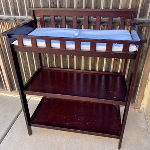 BEAUTIFUL DARK WOOD 2 SHELF BABY CHANGING TABLE STATION for Sale in Glendale, AZ