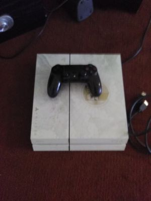 White ps4 for Sale in Columbus, OH