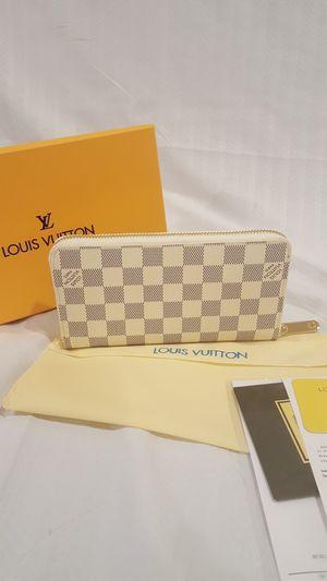Zippy Wallet for Sale in Vienna, VA