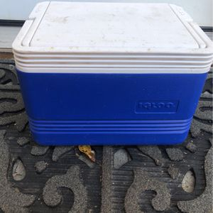 Igloo Lunch Box cooler for Sale in Anaheim, CA