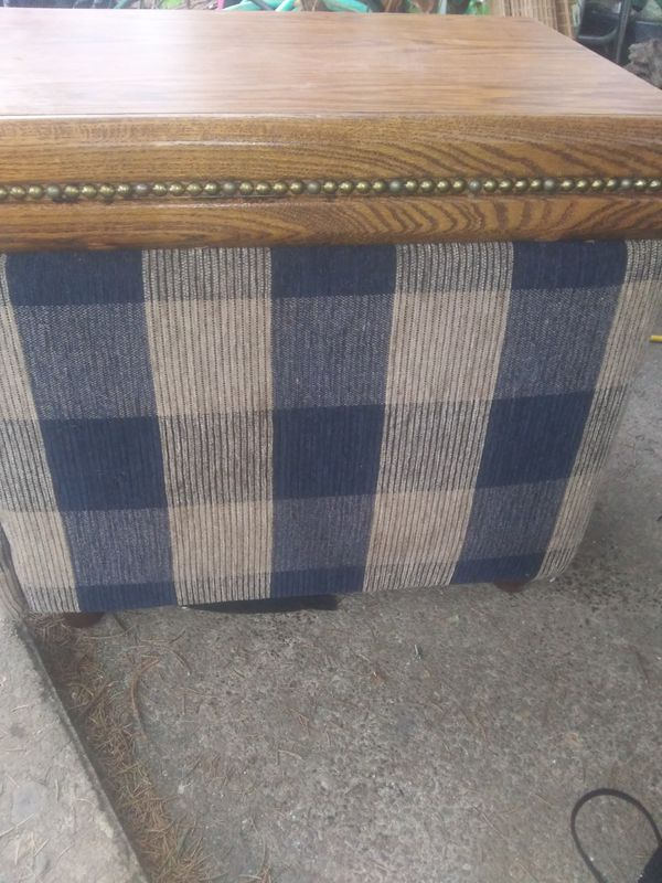 Coffee table with storage drawer