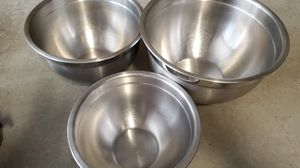 Cook kitchen home Stainless steel mixing bowls 3 heavy duty for Sale in Oceanside, CA