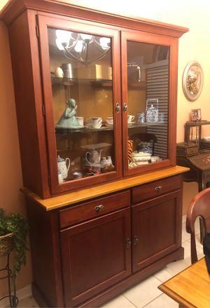 8 Piece Dining Room Set for Sale in Merritt Island, FL