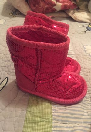 Free size 5 Girls glitter pink boots for Sale in West Seneca, NY
