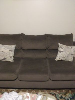 Brown suede sofa and loveseat for Sale in Hazlehurst, GA