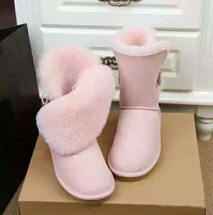 Ugg boots size 11 for Sale in Severn, MD