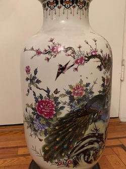 Beautiful Chinese vase for Sale in Morris Plains,  NJ