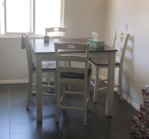 Kitchen table with chairs for Sale in Los Angeles, CA
