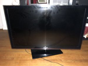 Samsung tv 40 inch for Sale in Alexandria, VA