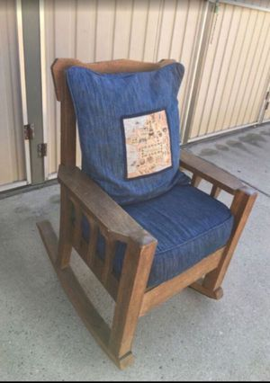 Rocking chair for Sale in Fresno, CA