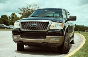 2005 Ford F150 Lariat 4x4 for Sale in Baltimore, MD