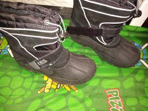 Snow boots kids size 2. botas de nieve for Sale in Miami, FL