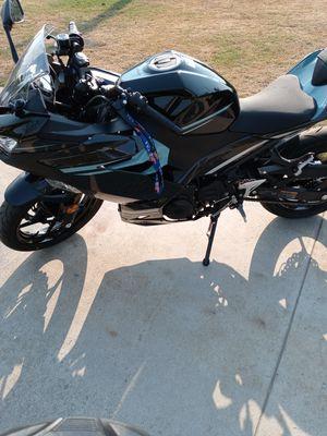 Ninja 400 2020 700 miles on it for Sale in El Monte, CA