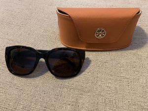 Tory Burch sunglasses and case for Sale in Phoenix, AZ