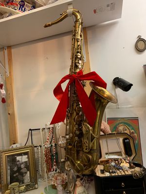 Vito Saxophone works great and made for music for Sale in Hamden, CT