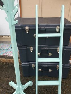 Matching Ladder And Coat Rack for Sale in Oregon City,  OR