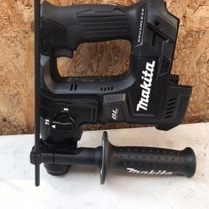 DRILL Hammer Makita for Sale in San Diego, CA