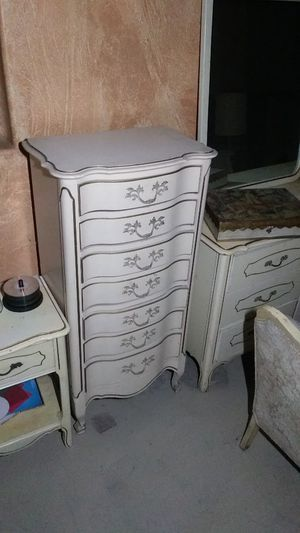 French provincial era highboy 7 drawer dresser for Sale in Victorville, CA