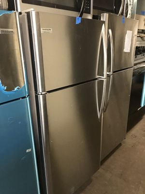 New 30in top and bottom refrigerator 6 months warranty for Sale in Halethorpe, MD