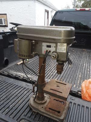 Bench top drill press for Sale in Des Moines, IA