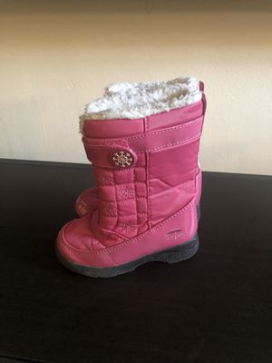 Totes and Michael kor snow boots for Sale in Philadelphia, PA