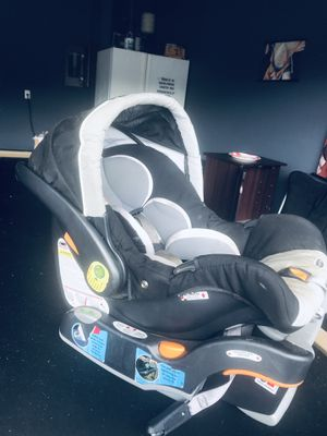 Chicco car seat with base for Sale in Leander, TX