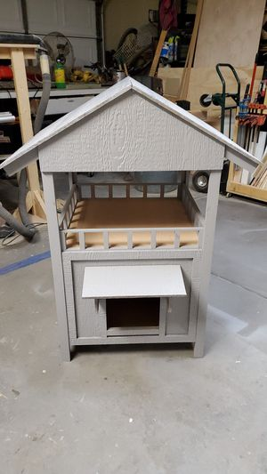 "For sale Brand new cat house 25""x25"" 36"" tall $100.00 text me at {contact info removed} thanks for Sale in Goodyear, AZ"