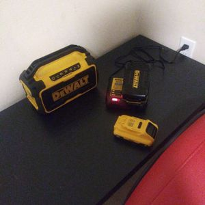Dewalt Bluetooth Speaker/portable Charger for Sale in Tacoma, WA