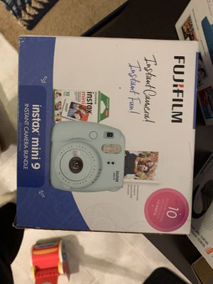 Fuji, Instax mini 9 bundle, instant film camera. A compact instant film camera. Comes with, Instax mini 9 camera(ice blue) for Sale in Carpinteria, CA