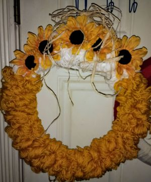 Sunflower wreath for Sale in Loma Linda, MO