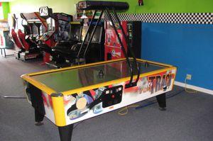 Air hockey table Airhockey for Sale in Everett, WA
