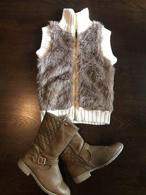 Fur & Boots for Sale in Schertz, TX