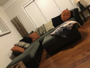 Sectional for sale with pillows and ottoman for Sale in Ashburn, VA
