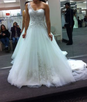 Wedding dress for Sale in Buford, GA