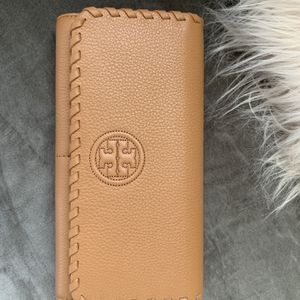 Tory Burch Wallet New for Sale in Hollywood, FL